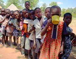 zimbabué, crianças, descalças, pós-natal, pai-natal