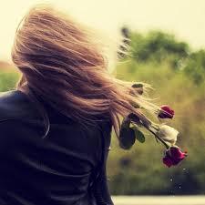 mulher, vento, sol, solidão, atenção