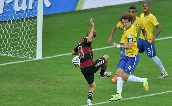david luíz a jogar pelo brasil
